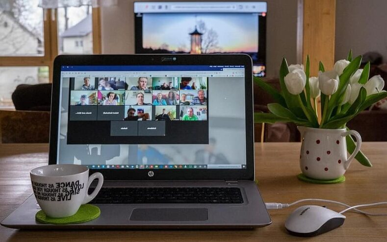 How to make online events include remote simultaneous interpretation