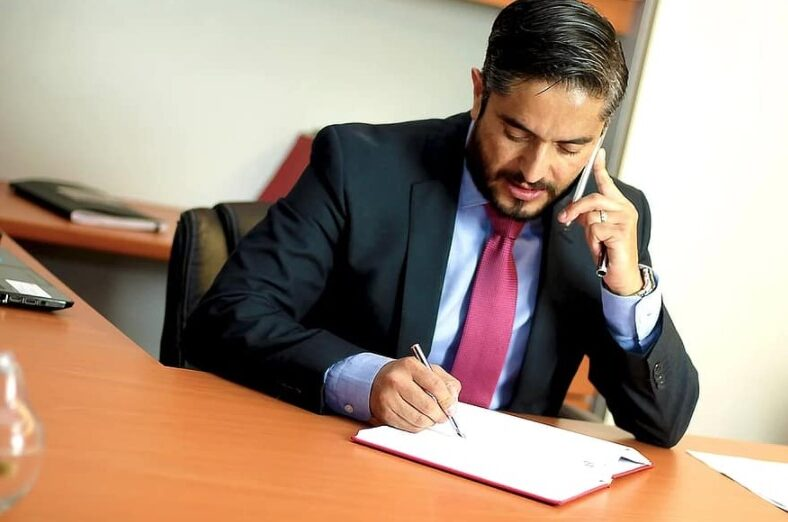 Looking for legal translation services? Tips to choose the right translation company
